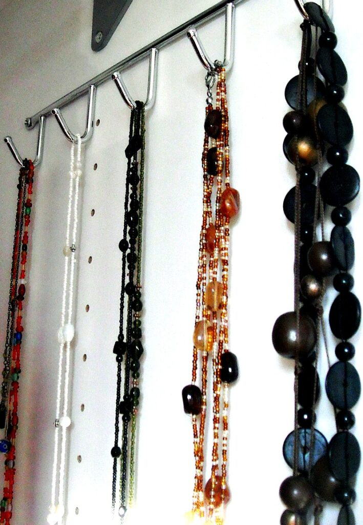 diy necklace hanger