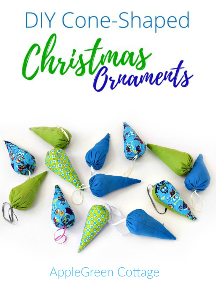 Christmas ornaments and a free pattern