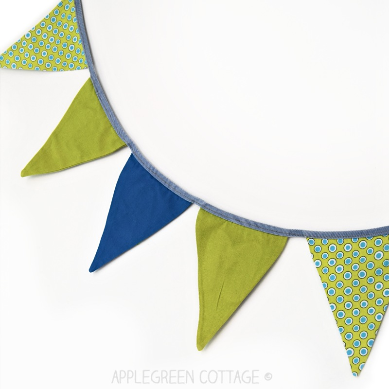 how to sew a fabric banner - free pattern
