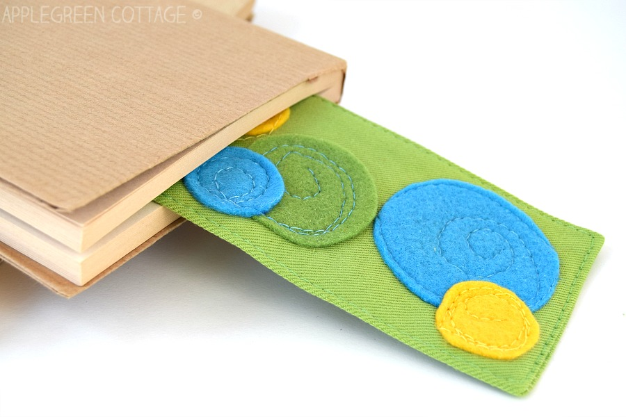 fabric bookmark with free pattern
