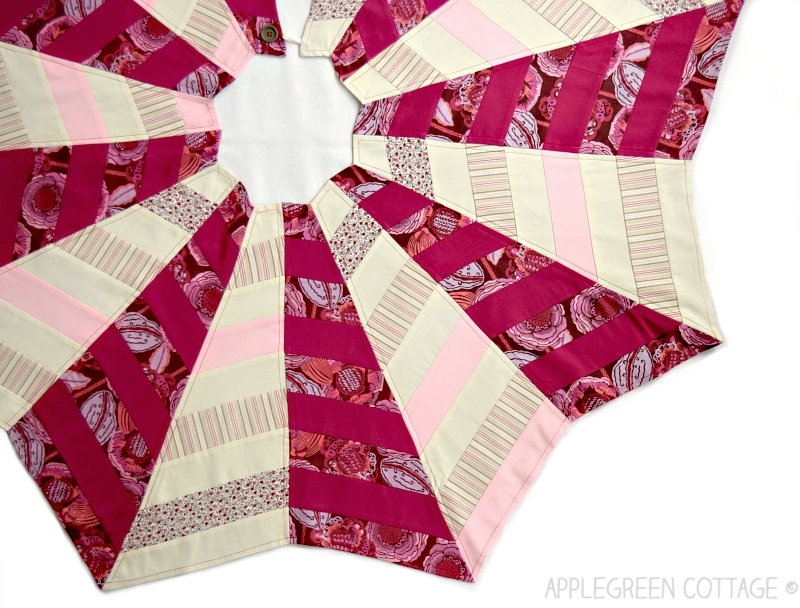 cute quilted Christmas tree skirt