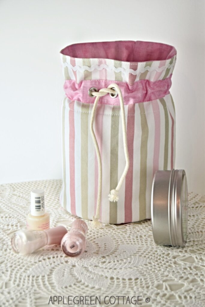 fabric basket pattern- cosmetic pouch