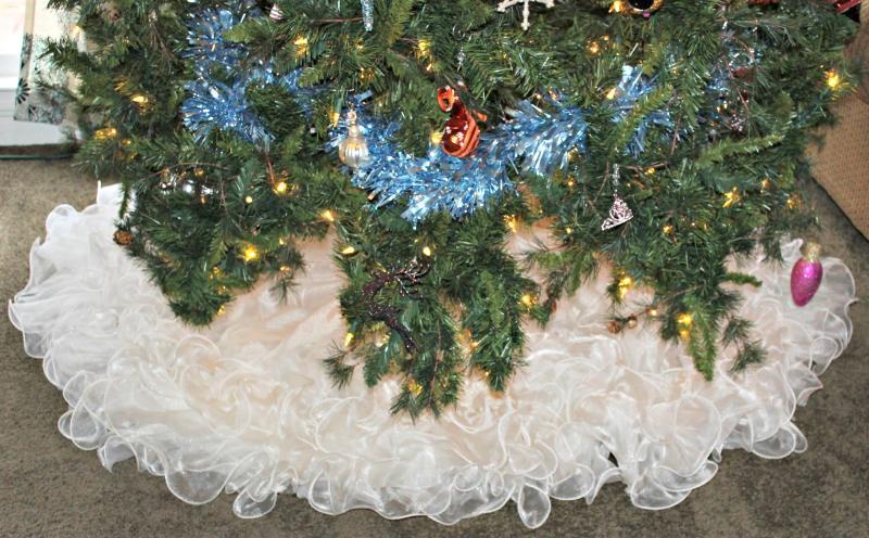 diy tree skirt Christmas project