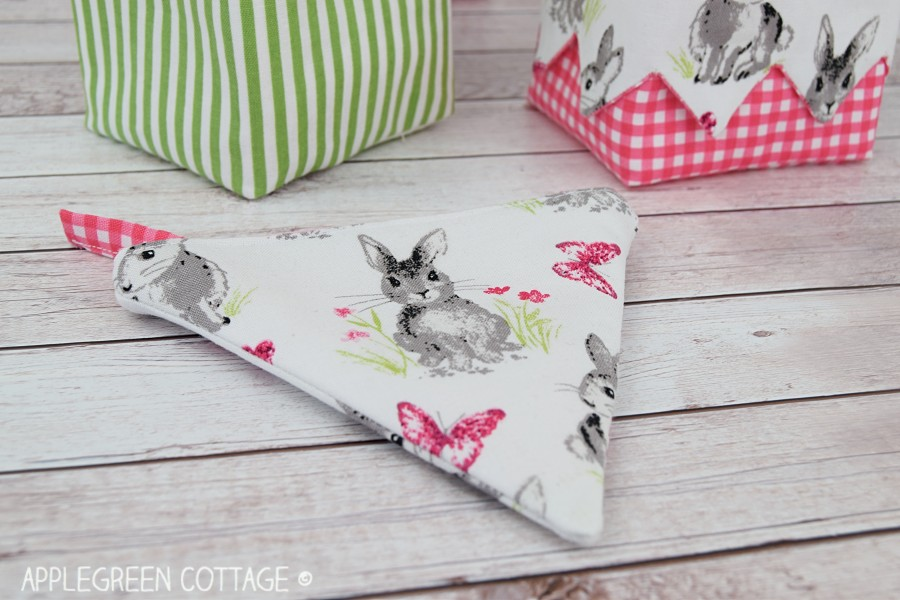 diy coin purse with spring bunnies