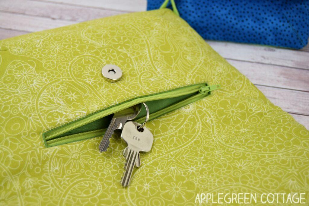 fold-over clutch pattern