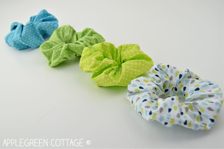 diy hair scrunchies in green and blue