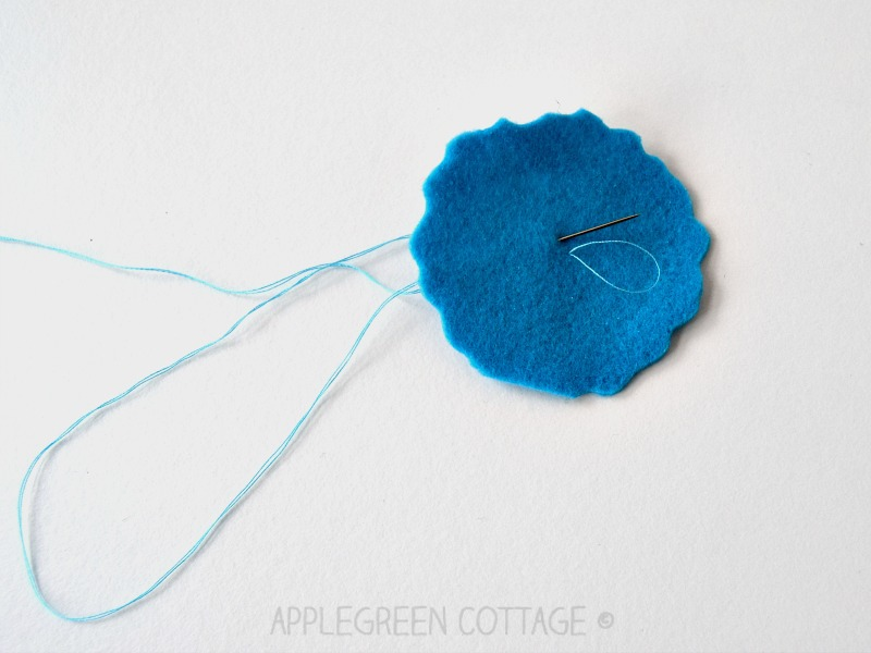 Start sewing without a knot