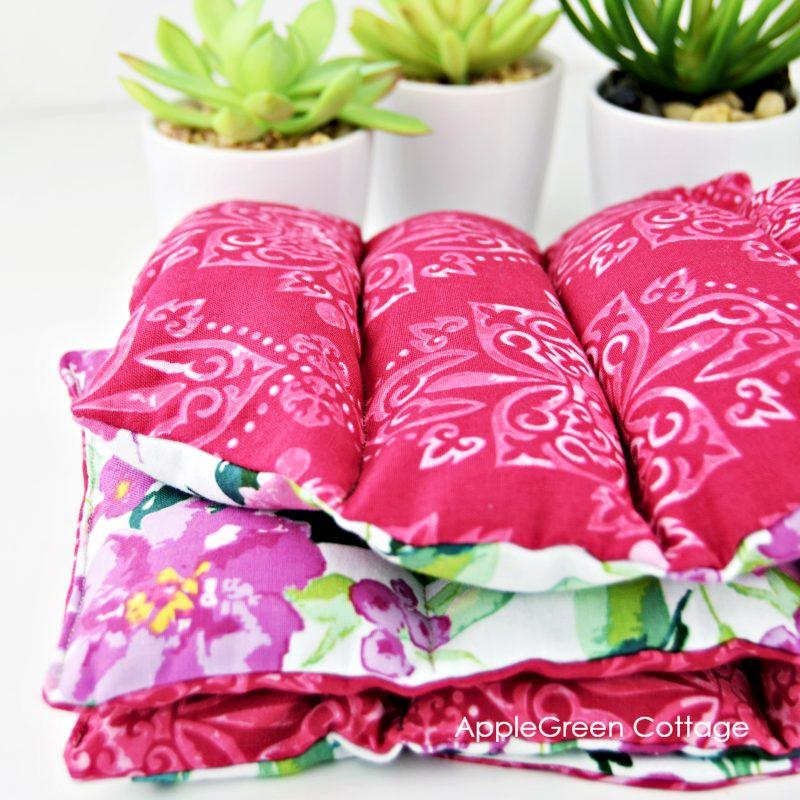fabric folded heating pad with rice