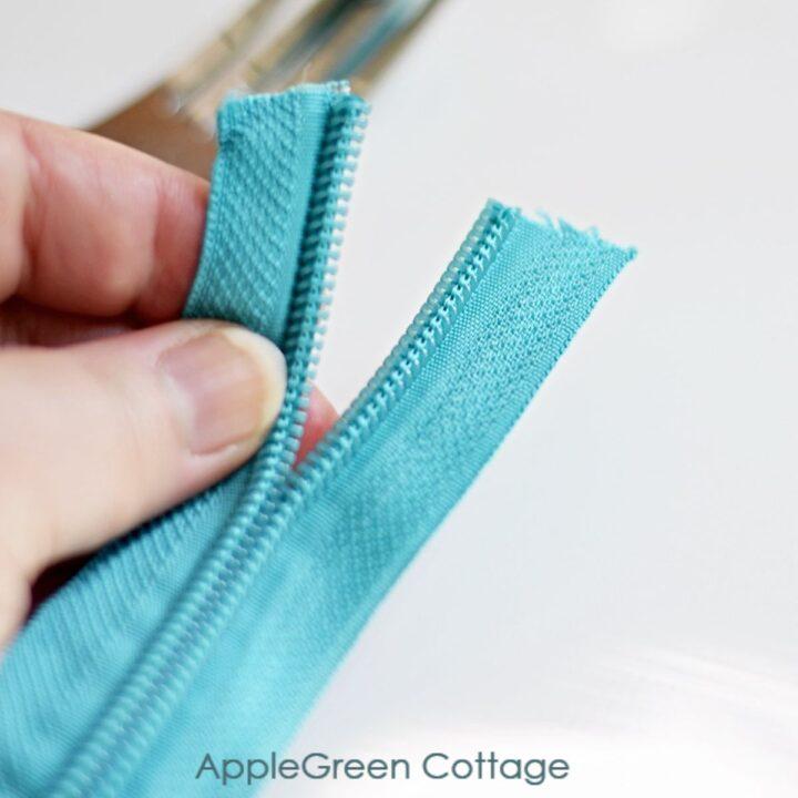 starting to attach zipper slider